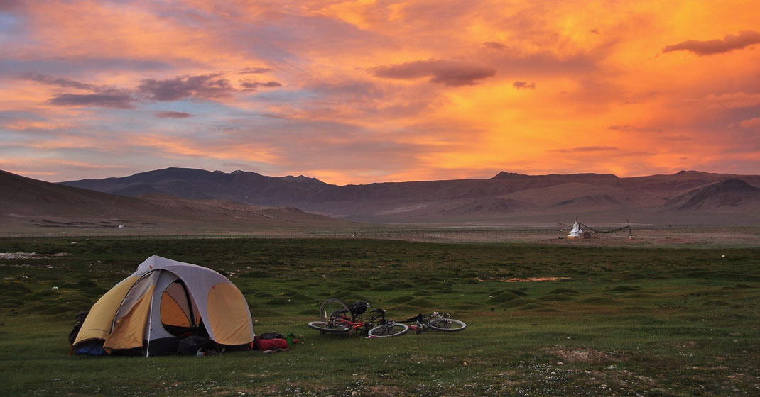 thewanderingnomads1 - The Wandering Nomads - Two kids, two bikes, and the whole world to see