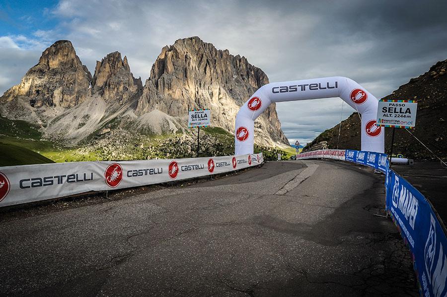 3848 MHO1LS 09534 - Rennradfahren im Zeichen der Liebe: Maratona dles Dolomites