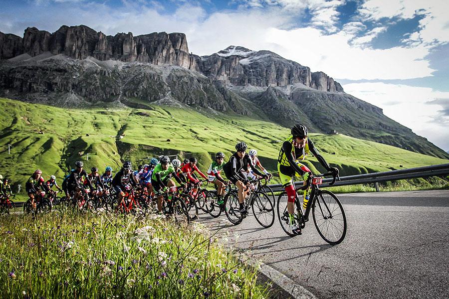 3848 VB1 00024 - Rennradfahren im Zeichen der Liebe: Maratona dles Dolomites