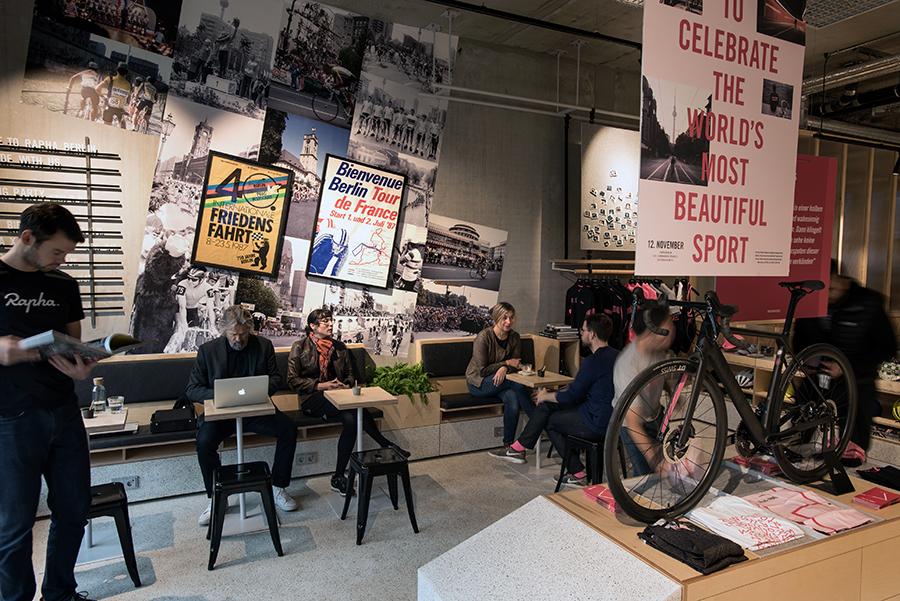 TKA5211 - Eröffnung des ersten Rapha Clubhouse Deutschlands in Berlin