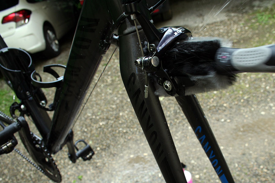 muc-off-wheel-component-brush